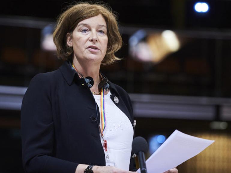 ALLÉGATIONS DE CORRUPTION : LE RAPPORT DE LA COMMISSION DU RÈGLEMENT